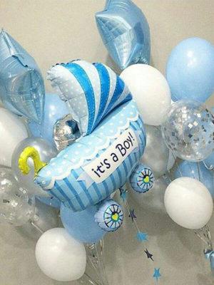 Композиция из шаров на выписку из роддома для мальчика «Коляска и фонтаны»