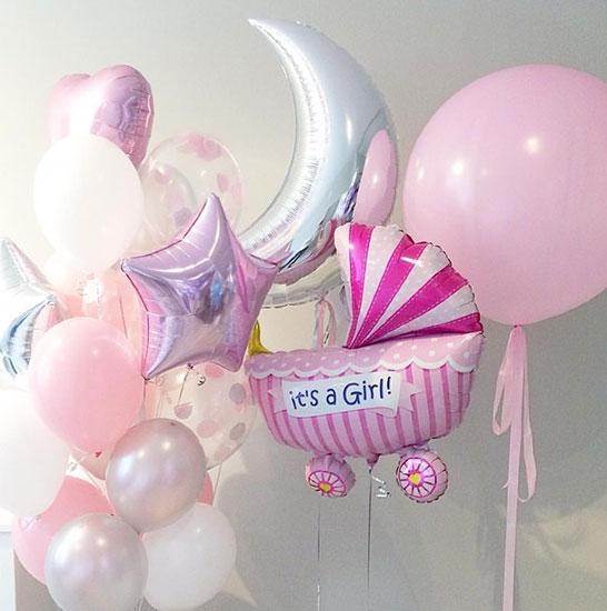 Композиція з повітряних кульок на виписку з пологового будинку «Місячна» для Дівчатка