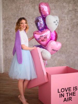 Коробка с шарами на День Святого Валентина